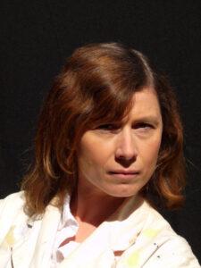 Portrait de Nicole Depagniat, art-thérapeute à ATHANOR